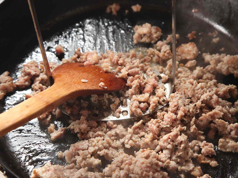 20141026-potato-masher-meat-browning-01.jpg