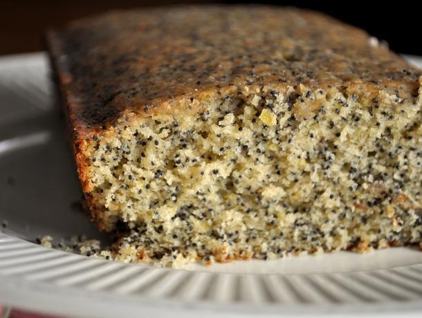 20120504-wakeandbake-poppy-seed-coffee-cake.JPG