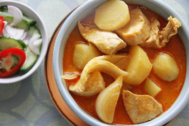 Chicken Yellow Curry (Kaeng Kari Kai)
