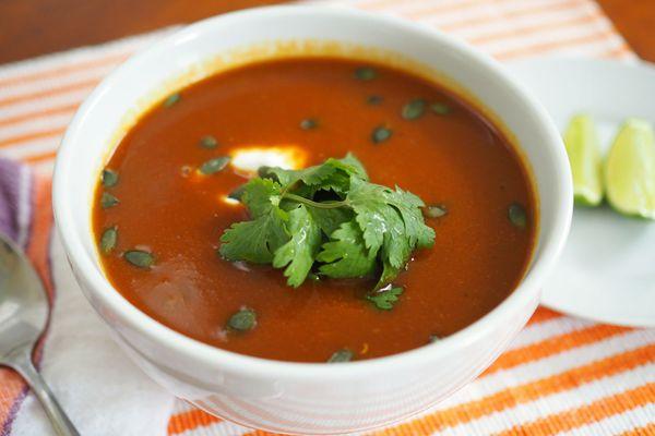 20141016-mexican-butternut-squash-soup-daniel-gritzer5.jpg