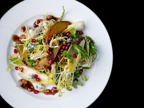 20111102-roasted-pear-pomegranate-hazelnut-salad-3.jpg