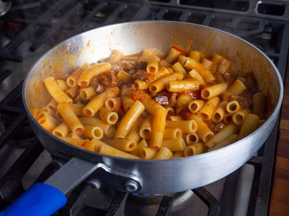 20200620-perfect-pasta-pot-pan-daniel-gritzer-9
