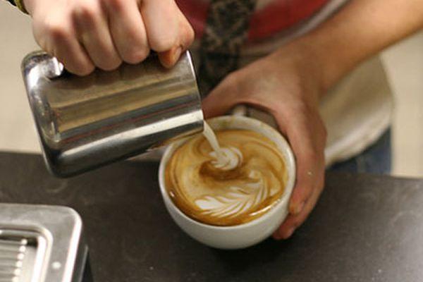 20100722-pouringmilk-primary.jpg
