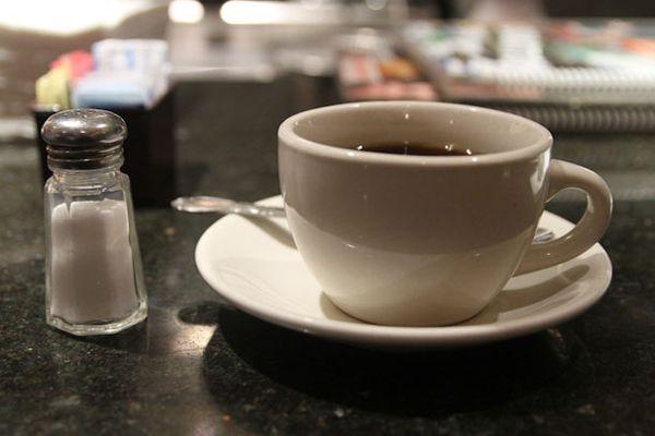 SE-coffee-121212-salt-in-coffee-1.jpg