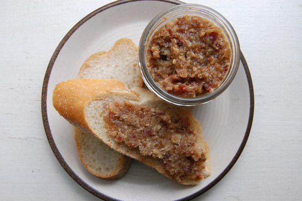 20110202-135301-bacon-bourbon-jam-1.jpg
