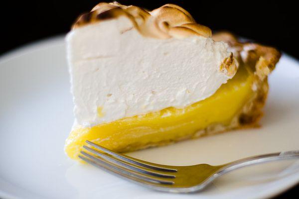 20111205-182838-lemon-meringue-610x458-1.jpg
