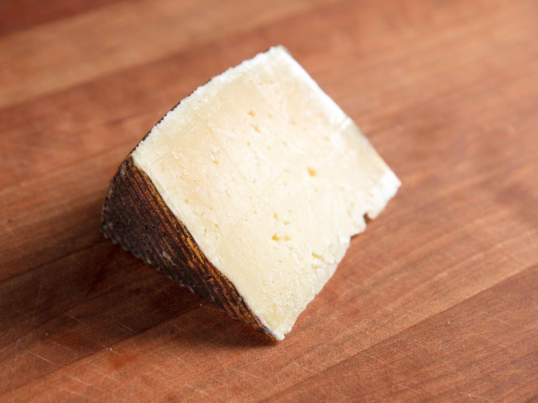 20170810-manchego-cheese-anejo-vicky-wasik-3.jpg