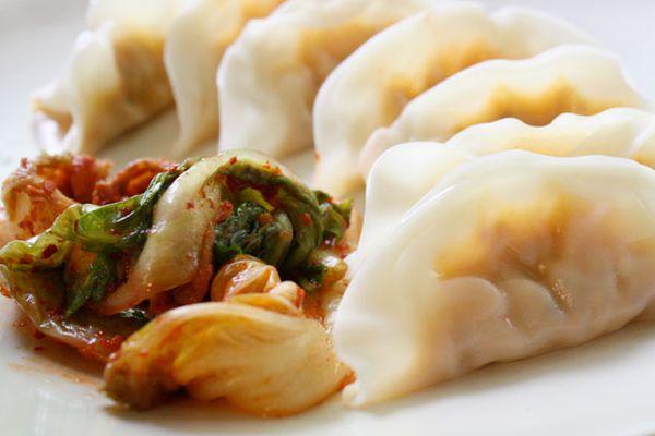 20100910-kimchidumplings-recipe.jpg