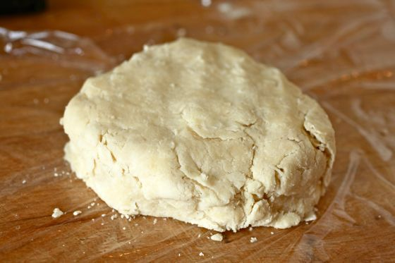 form disk out of pie dough