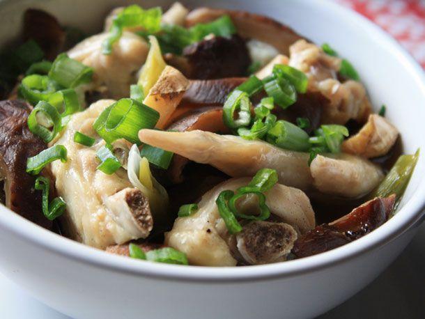 20120601-chichis-chinese-chicken-shitake-primary.jpg