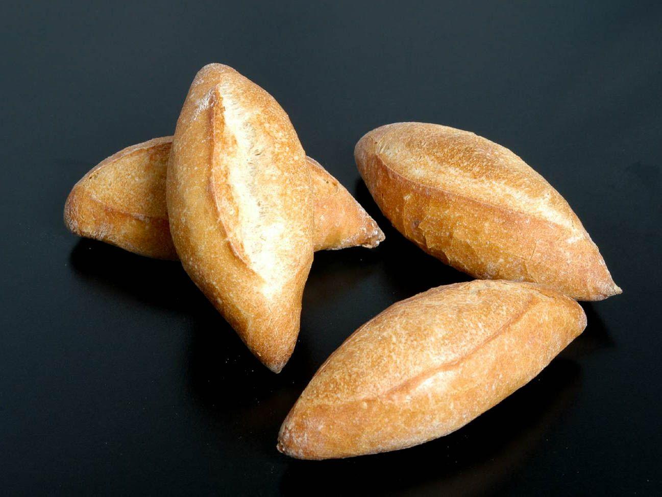 20150421-tortastom-cat-bakery-bolillo-craig-cavallo.jpg
