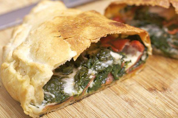 20110209-pizza-lab-calzone - 17 - large.jpg