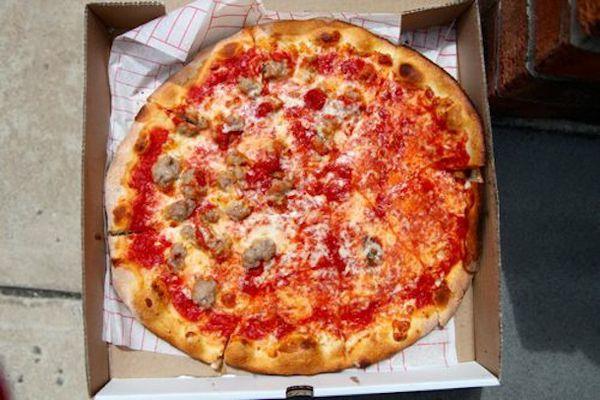 20110801-delorenzos-pizza-trenton-primary.jpg