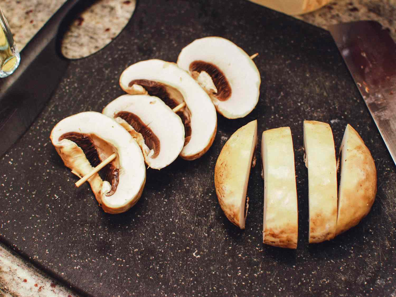 06182015-grilled-mushrooms-sesame-dressing-shaozhong-6.jpg