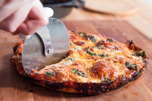 20190319-cast-iron-pan-pizza-reshoot-vicky-wasik-33
