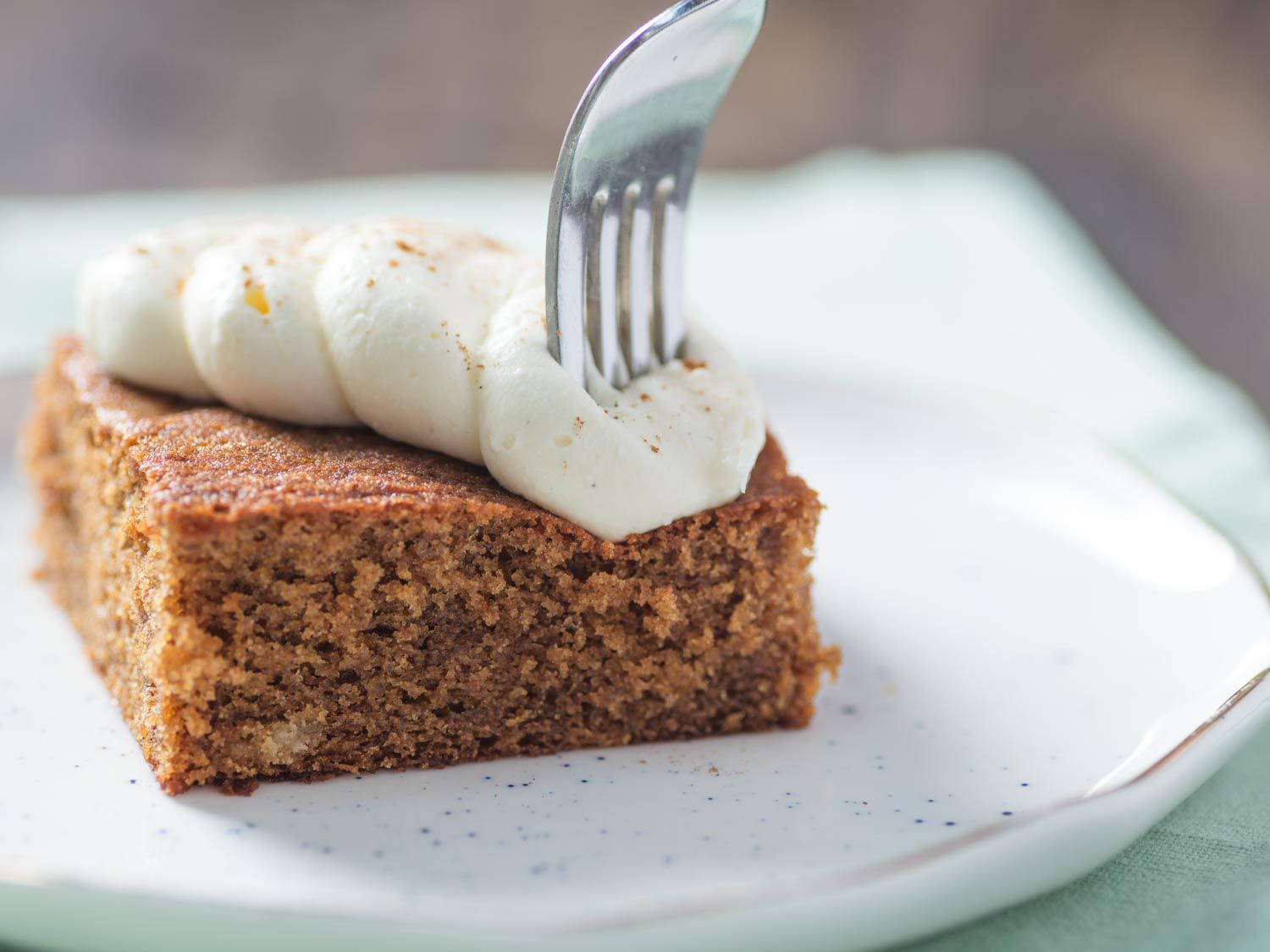Gingerbread cake and cream cheese frosting