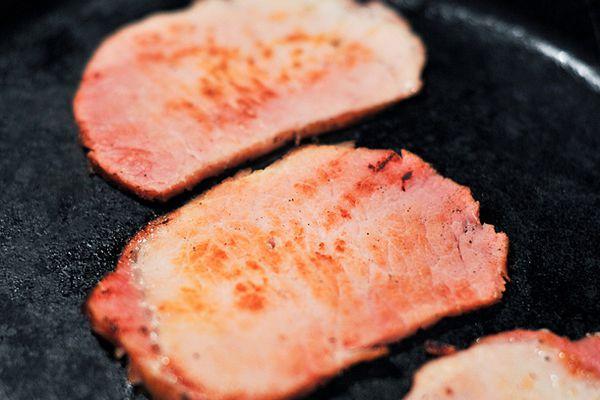 20110320-198179-canadian-bacon.jpg