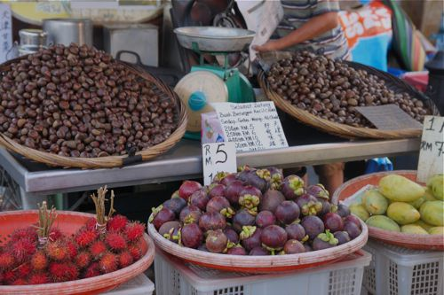 20110801-1stpost-fruitetc.jpg