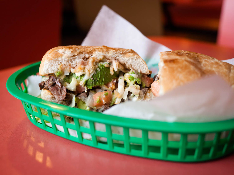 20150421-taqueria-el-asadero-chicago-tortas-photographer-laynedixon.jpg