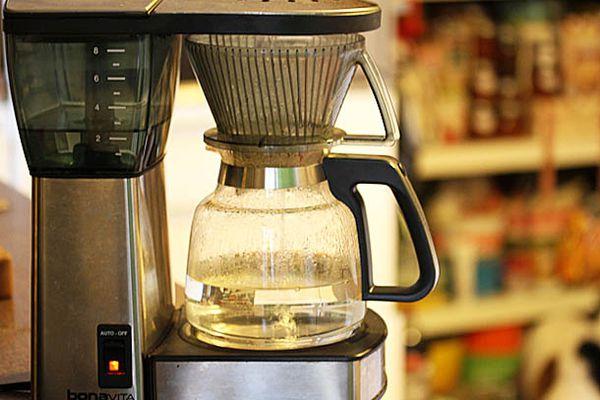SE-040214-descale-coffeemaker-primary-1.jpg