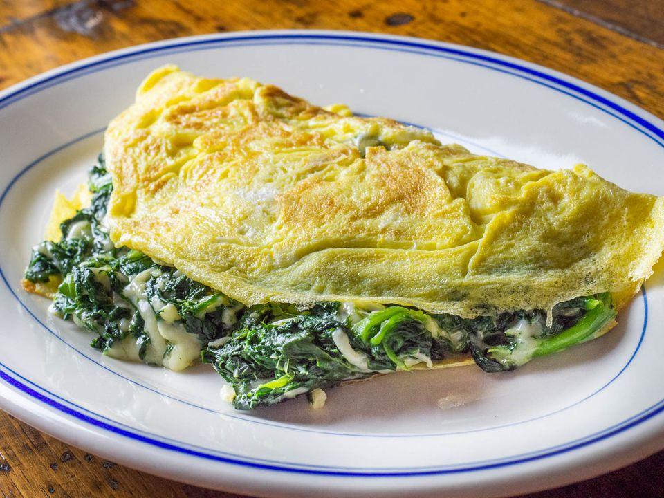 20200602-florentine-spinach-cheese-omelette-daniel-gritzer-5