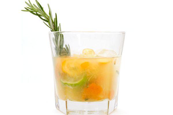 20120116-cocktail-winter-caipirinha.jpg
