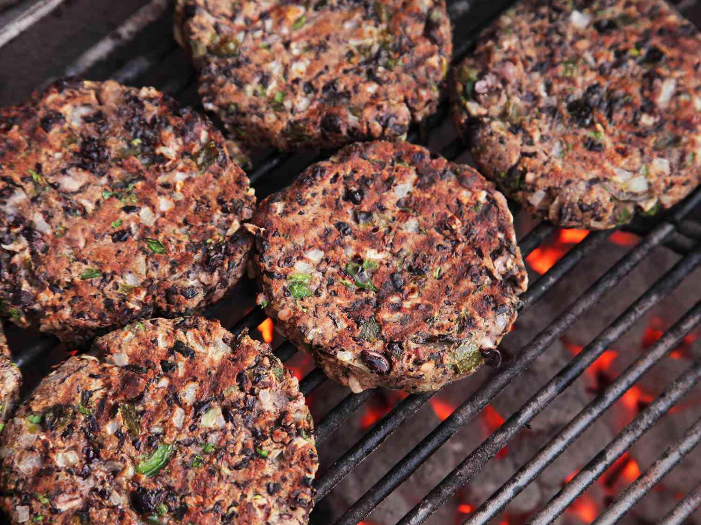 20160713-summer-recipes-black-bean-burger.jpg