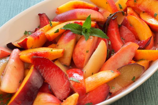 20100831-stone-fruits-with-ginger-lime-syrup-mint.jpg