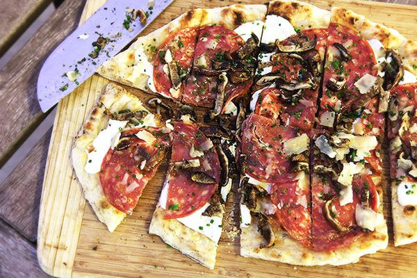 20140601-grilled-pizza-toppings-food-lab-2.jpg