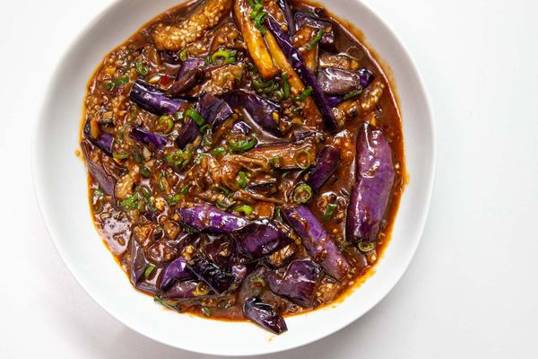 20191022-fuchsia-dunlop-sichuan-cooking-shoot-eggplant-vicky-wasik-5