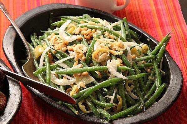 20121114-green-beans-pinenuts-1.jpg