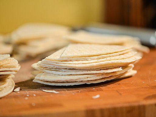 20140425-291070-texas-nachos-tortillas.jpg