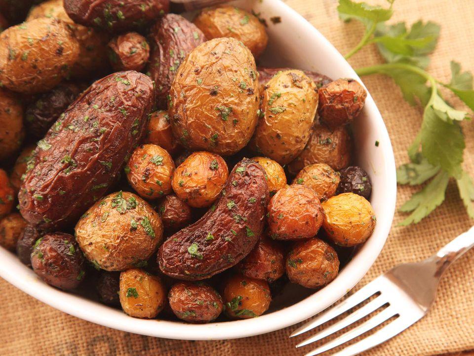20141116-salt-roasted-potatoes-recipe-01.jpg