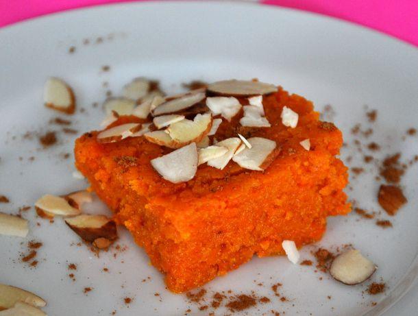 20121107-cookiemonster-carrothalwa.JPG