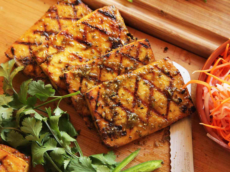 20150216-grilled-tofu-banh-mi-recipe-vegan-08.jpg