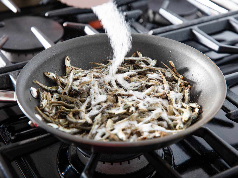 20200224-MYEOLCHI-BOKKEUM-Stir-fried-anchovy-banchan-vicky-wasik-4