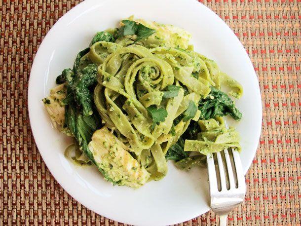 20130227-242487-spinach-tagliatelle-parsley-chicken-primary.jpg
