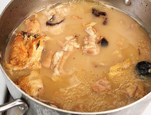 20120227-tonkotsu-ramen-broth-pork-fat-06