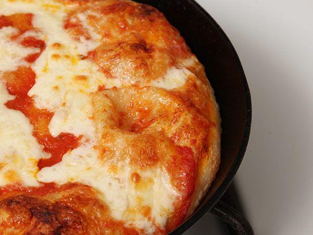 20130121-pan-pizza-lab-recipe-03.jpg