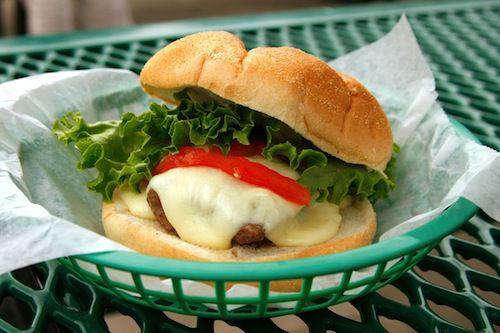20110706-steamed-cheese-burger-14.jpg