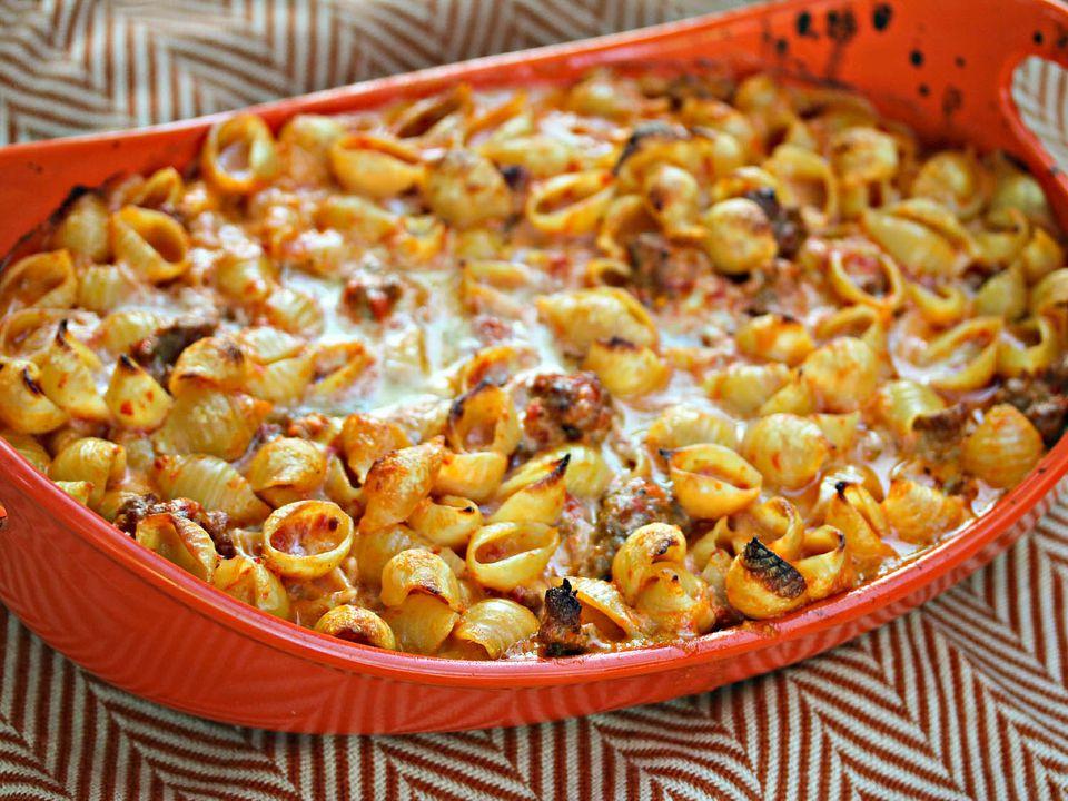 20140910-Shells_Italian-Sausage-Roasted-Red-Pepper-Cream-Jennifer-Olvera.jpg