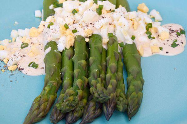 2012-03-27-asparagus-salad-chopped-egg-2.jpg