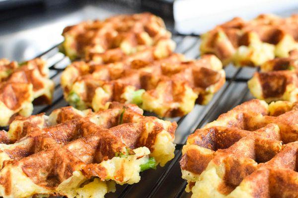 20141124-waffled-mashed-potatoes-closeup-daniel-shumski.jpg