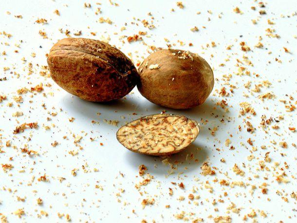 20110303-140132-nutmeg-big.JPG