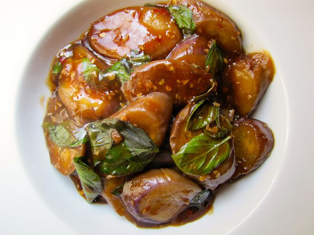 Taiwanese Braised Eggplant with Garlic and Basil