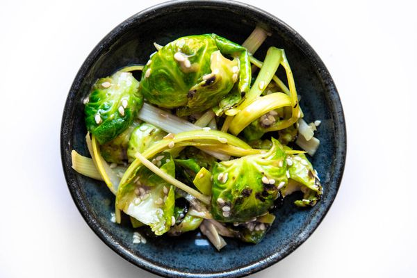 20201015-banchan-thanksgiving-brussels-sprouts-leeks-vicky-wasik-7