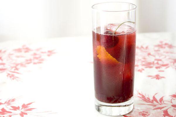 20110620-157591-seasonalcocktails-cherry-lilletrouge-cooler.jpg