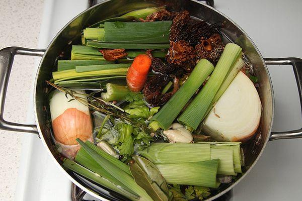 20130210-hearty-vegetable-soup-vegan-recipe-1.jpg