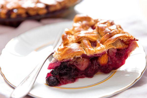 20160713-mixed-fruit-pie-vicky-wasik-12.jpg