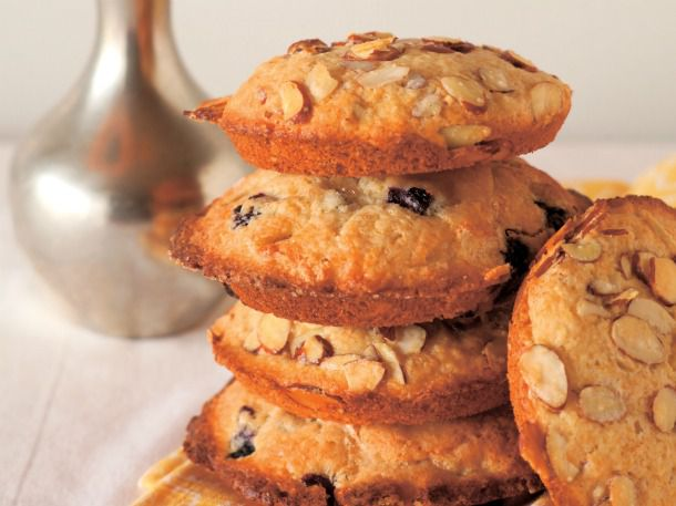 20120424-203130-lemon-almond-muffins.jpg